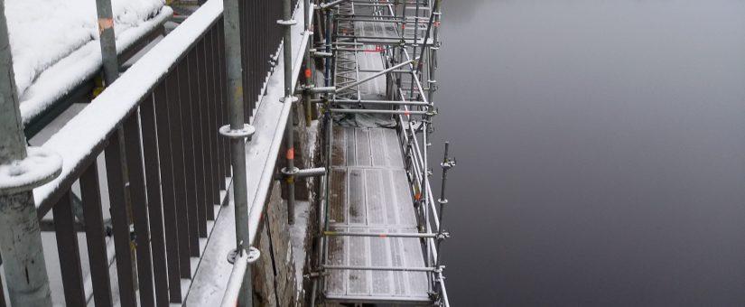 Eiszeit auf dem Gerüst – Wer räumt den Schnee
